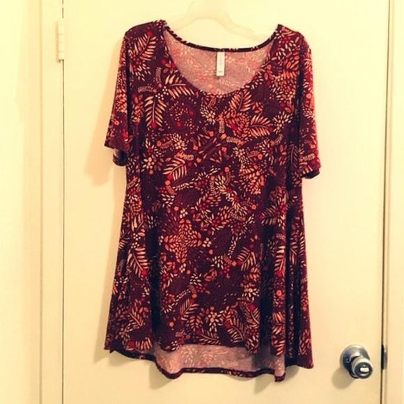 LuLaRoe Tops - Lularoe Orange/red Floral tee-shirt Sz M